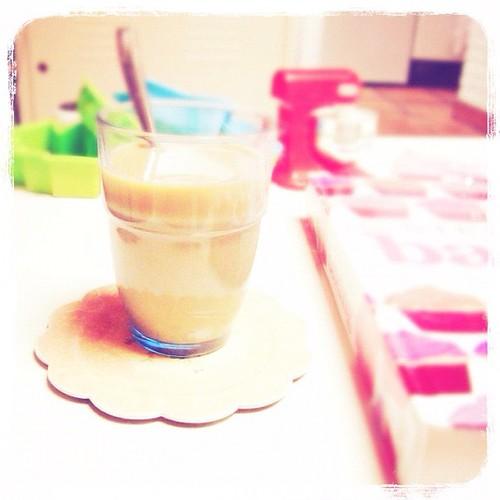Café con leche en vaso