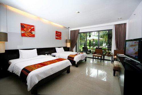 Deluxe Lanai room