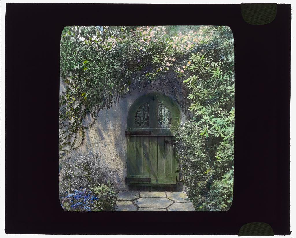 [Wellington Stanley Morse house, 450 South San Rafael Avenue, San Rafael Heights, Pasadena, California.  (LOC)