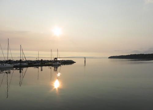 ocean sea evening minimalist calmwaters sunsetrelaxation