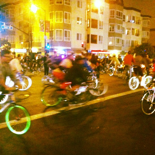 Earlier large #criticalmass 16th & Valencia #sfcm20 #cm20 #cmsf20