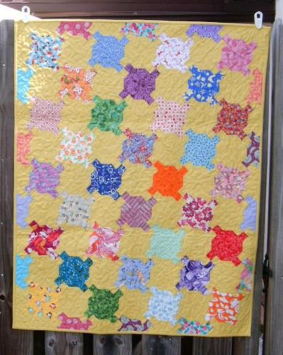 Modern Turtle quilt 1