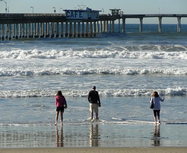 beach-pier-cafe