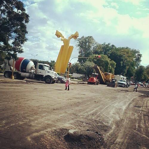 Obras. Tome vías alternas. #Road #Puebla #concreto
