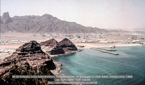 industry landscape coast scenery 1966 1967 yemen 1960s 1965 aden publish scannedslide oilrefinery onflickr ghadir gulfofaden arabianpeninsula littleaden adenharbour voigtländervitoc mapped130626 bureikabays khawrghadir alburayqah bandarshaykh