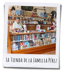 De winkel van Chocolates Pérez lijkt op een ouderwetse snoepwinkel en nodigt uit tot kopen