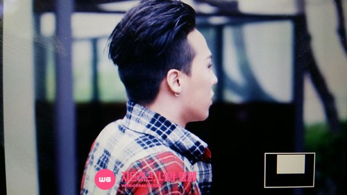 BIGBANG KBS Music Bank arrival 2015-05-15 cr on pic 011