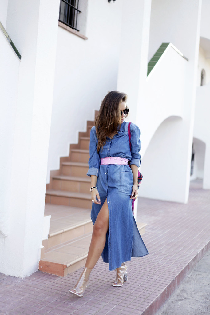 01__denim_dress and_transparent_shoes
