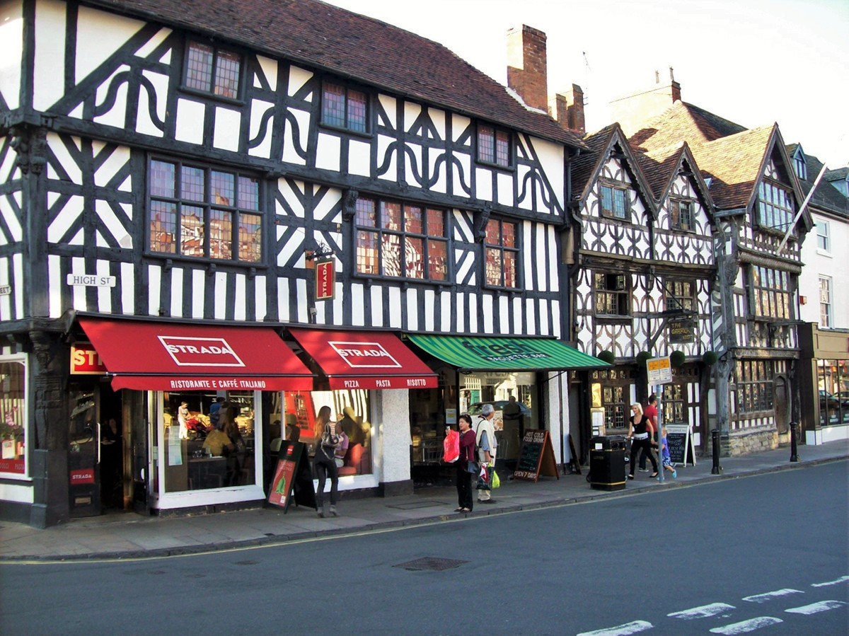 Stratford-upon-Avon High Street. summonedbyfells