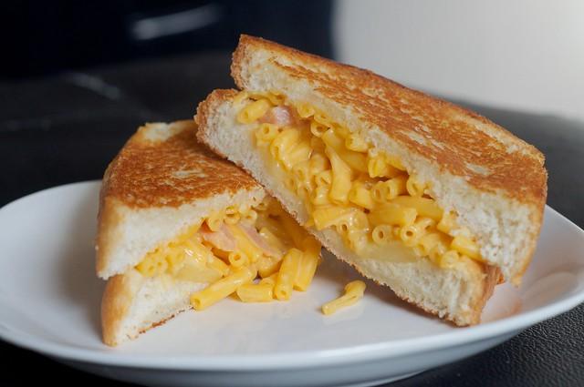The Mac n Grilled Cheese