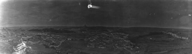 Panorámica de las Covachuelas y la Antequeruela en 1921. Fotografía de José Regueira. Filmoteca de Castilla y León.RESEP-191
