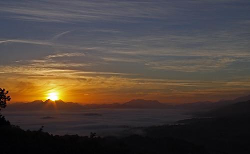 Amaneciendo ¡ Sin niebla !!!.    QDD Piloña, 2012-09-01
