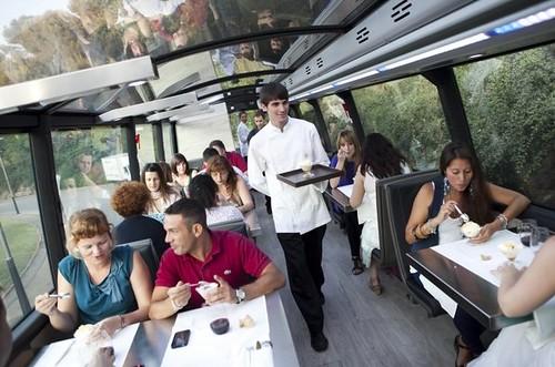 cena en el gourmet bus