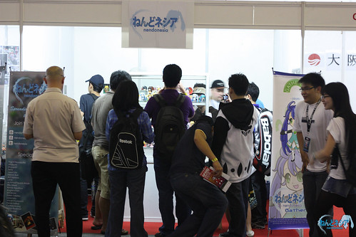 Crowd in front of the booth