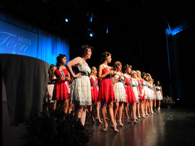 on stage, dress rehearsal, 2012, miss teen canada world