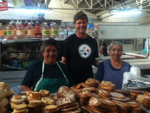 Gloria y amigos, Sanchez Pascuas Market @ Oaxaca 09.2012