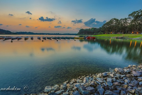Dusk at Bedok Reservoir