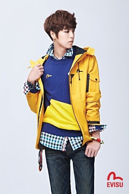 Lee Hyun Woo EVISU 2012 Fall Collection