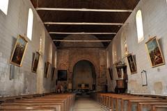 Nef de l'église abbatiale de la Roë - Mayenne