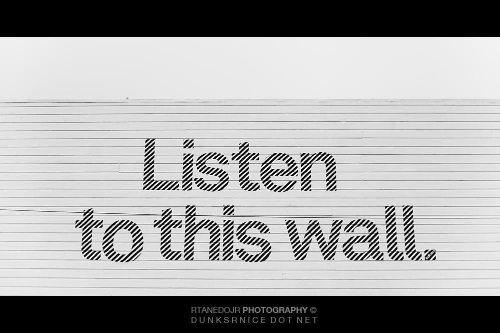 Listen B&W.