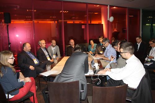 World-Café Tisch zum Thema Krisenkommunikation