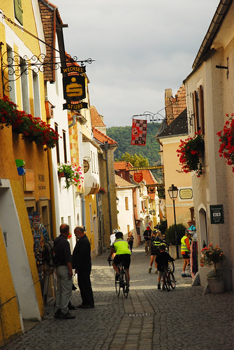 Dürnstein cyclists