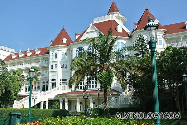 Disneyland Hotel where we went for breakfast