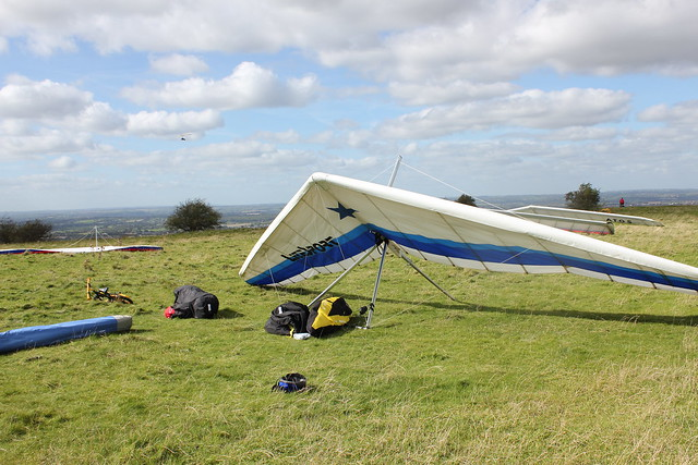 Gliders by the Westbury White Horse