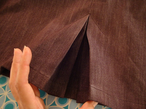 New Look 6103 spray starched pleats