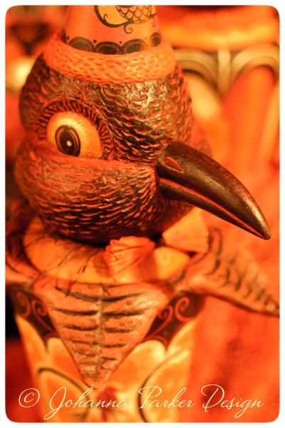 Raven-Vase