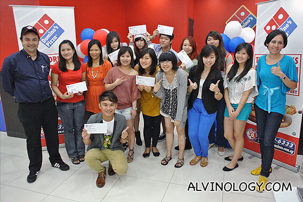 Happy bloggers at Domino's Pizza