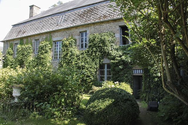 Le Château - back view