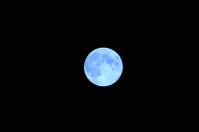 Full Moon (Blue Moon)