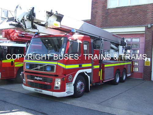 South Yorkshire fire and rescue YN04GAX