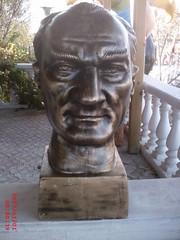 Atatürk Büyük Büst Beton