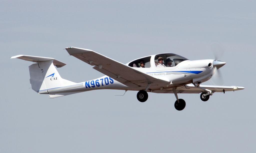 N967DS - DA40 - Oxford Aviation Academy