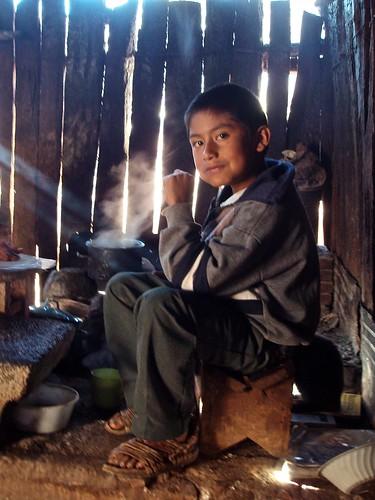 Gilberto en la cocina - Gilberto in the kitchen; Monte Negro, Región Mixteca, Oaxaca, Mexico
