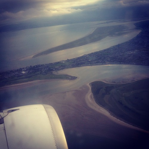 Flying over Dublin, Ireland... e