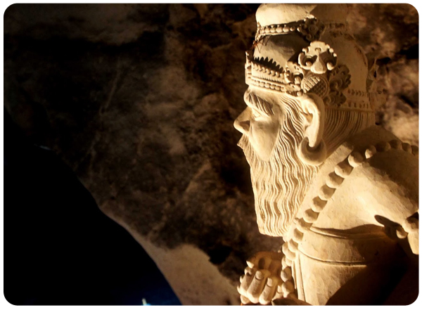 Nusa Penida - Goa Giri Putri Statue