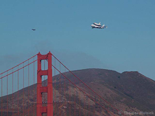 Shuttle Endeavour, Golden Gate Bridge, North Tower