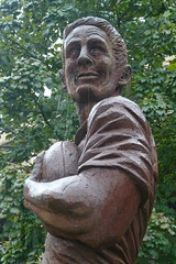 Dewsbury Statue (He)
