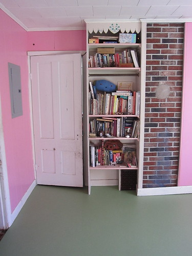 new floor in the pink room