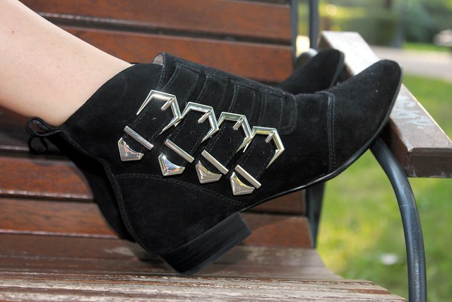flat ankle boots with buckles, Zara