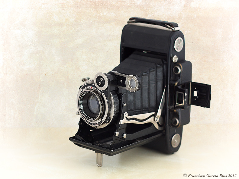 Zeiss Ikon Super Ikonta C 530/2 (1934)