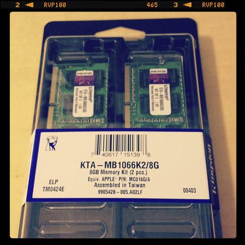 Kingston 8GB Kit KTA-MB1066K2/8G