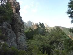 Avant le Valdu Grande : Punta Buvone et di Bonifacio au moment où le chemin tourne à gauche