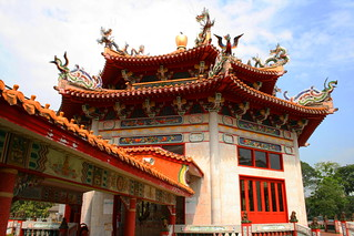 Feel the spiritual enlightenment at Kong Meng San Phor Kark See Monastery - Things to do in Singapore