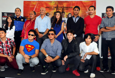 barisan pelakon dan pengarah drama bersiri Evolusi KL Drift
