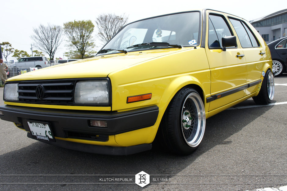 "volkswagen mk2 golf gti with klutch wheels sl1 black 15x8.5"" stanced aggressive fitment  stretched tires"