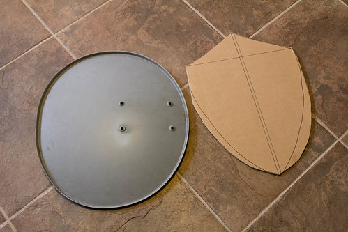 DIY Hylian shield: beginning phase